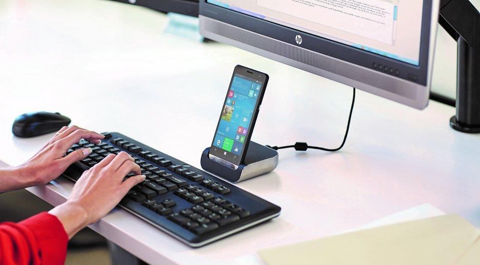 Práca s externým monitorom a klávesnicou
