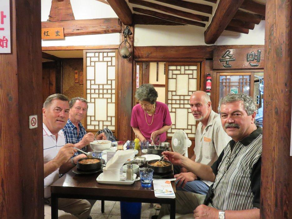 Obed v kórejskej reštaurácii