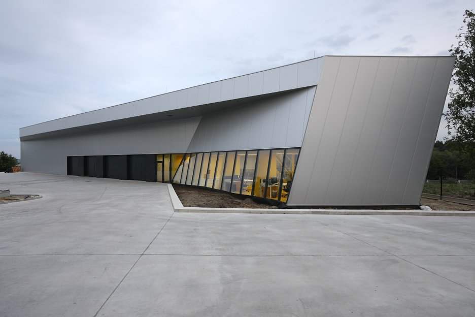 https://www.archinfo.sk/diela/architektura/centrala-firmy-gumex-slovakia-v-nitre.html