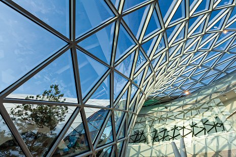 Elegantné a energeticky úsporné Bory Mall – nové nákupné centrum v  Bratislave 06d80cc8633