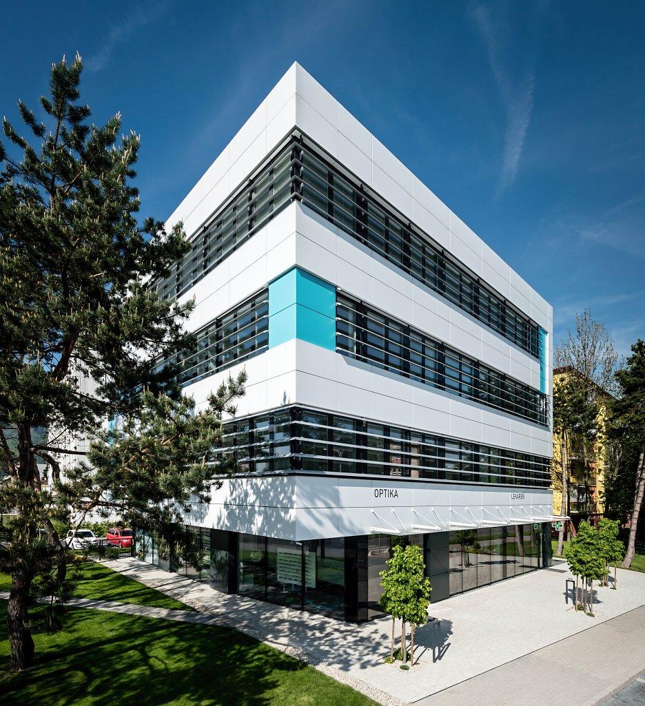 8705526cb UVEA Mediklinik očné centrum v Martine | Archinfo.sk